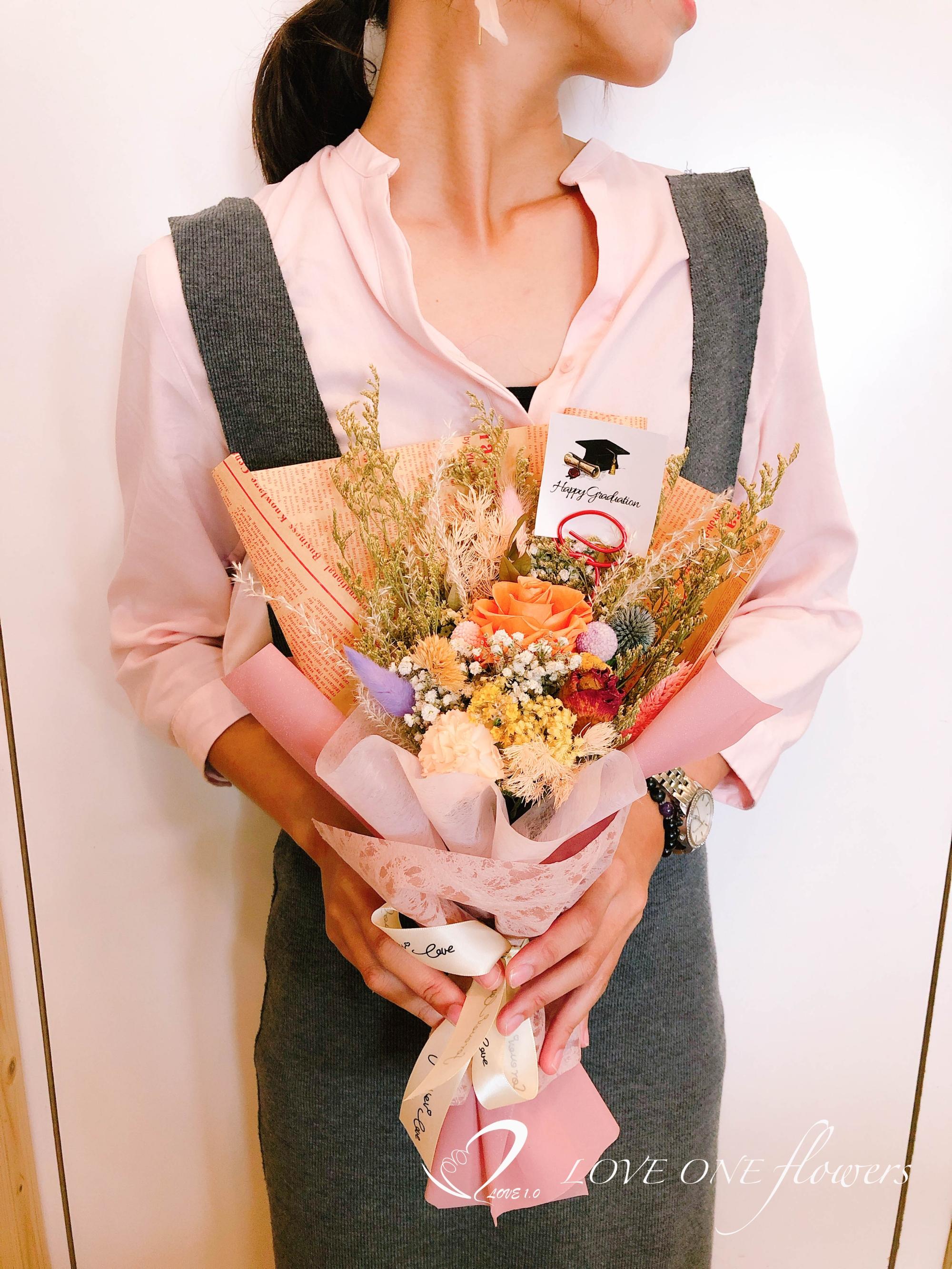 高雄乾燥花畢業花束5